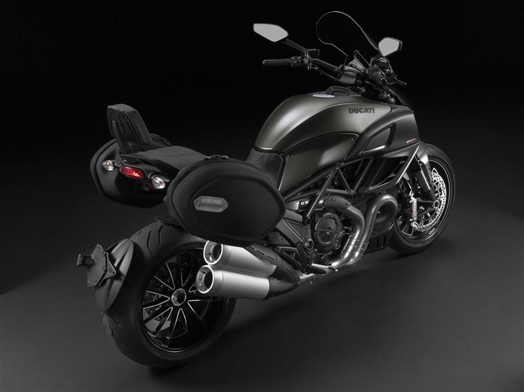 2014 Ducati Diavel Strada-2