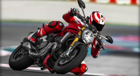 2014 Ducati Monster 1200S (14)