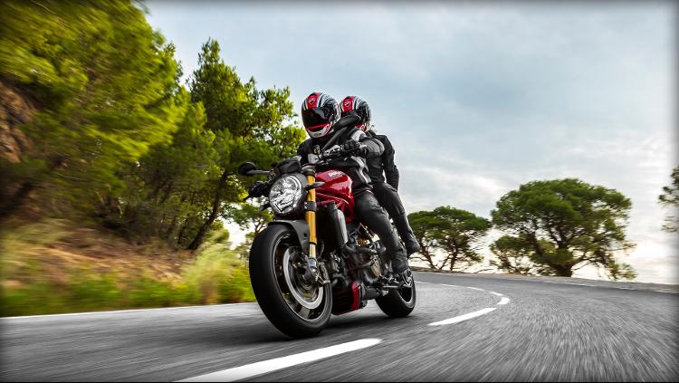 2014 Ducati Monster 1200S (17)
