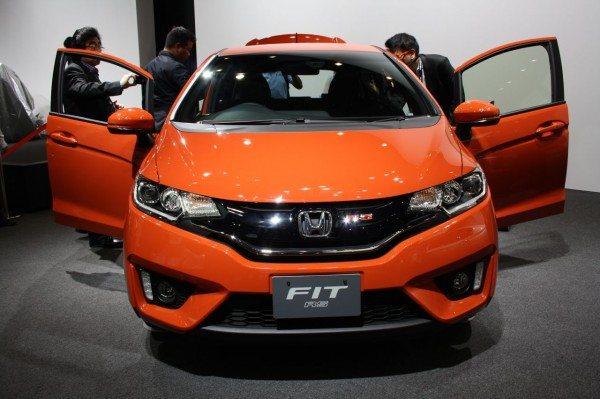 2014-Honda-Fit-RS-Pics-1