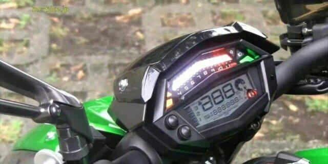 2014 Kawasaki Z1000 (3)