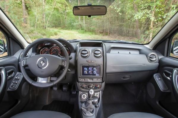 2014-Renault-Duster-Facelift-pics-2