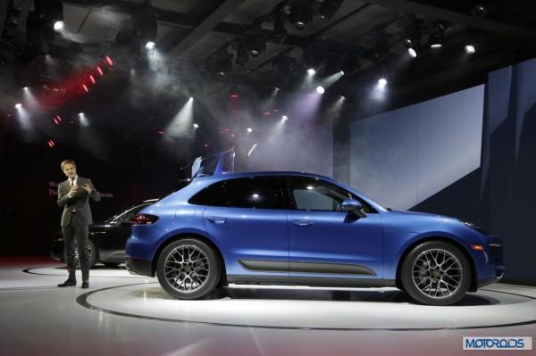 770402_Porsche_Macan_World_Premiere_LA_Auto_Show_2013_with_Vice_President_Style _Porsche_Michael_Mauer