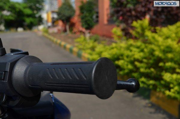 Bajaj Discover 100M Review Pics Specs (148)
