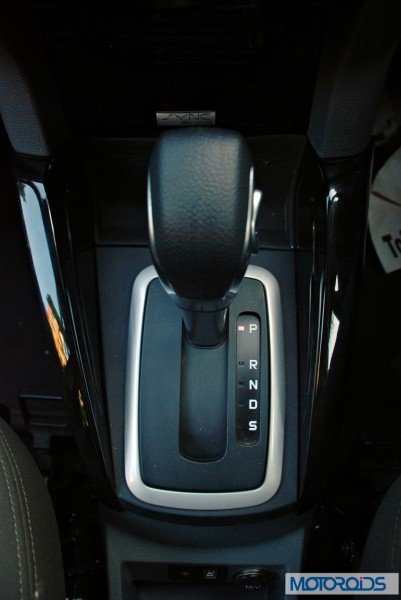 Ford Ecosport 1 5 Tivct Powershift Automatic Review Images Price