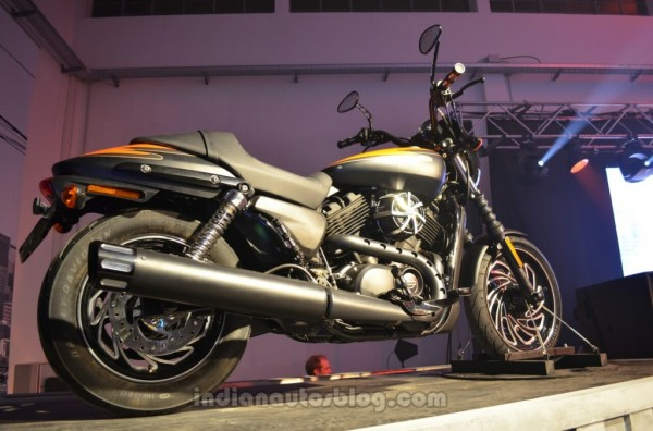 Live Images- Say Hi to the India bound Harley Davidson Street 500 and Street 750
