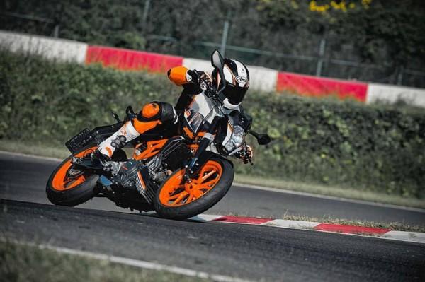 KTM-Duke-390-black-pics- (5)