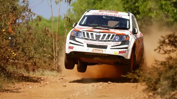 Mahindra Super XUV500 Rally Car PIcs (1)