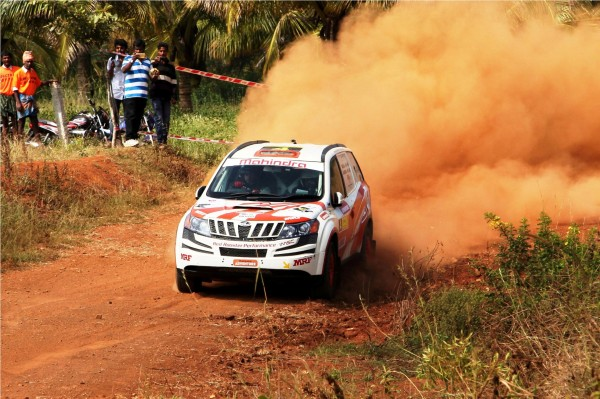 Mahindra Super XUV500 Rally Car PIcs (2)