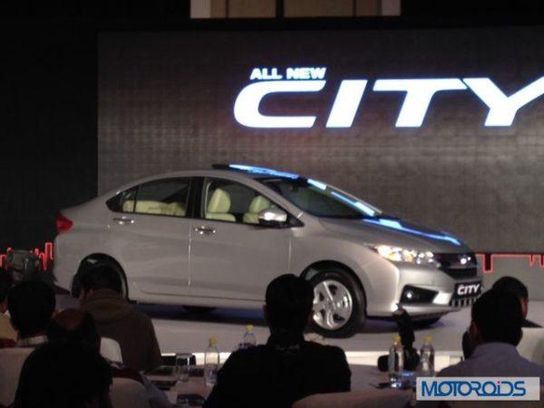 New 2014 Honda City front and rear (1)