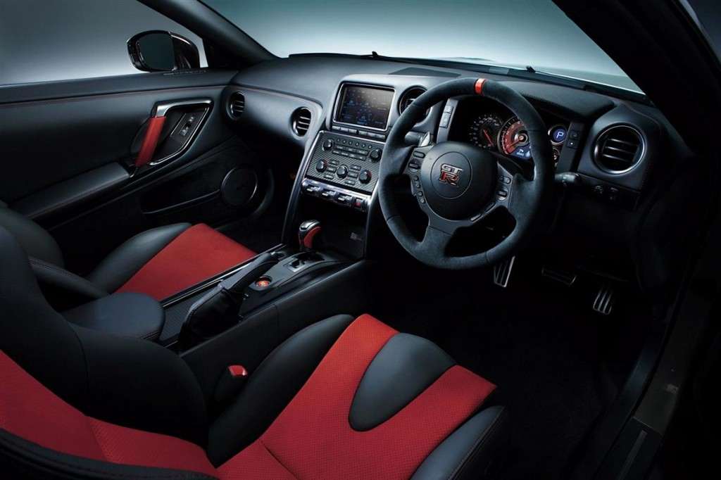 Nissan GT-R Nismo-10