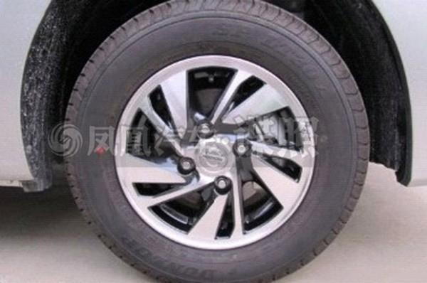 Nissan-NV200-Evalia-facelift-4
