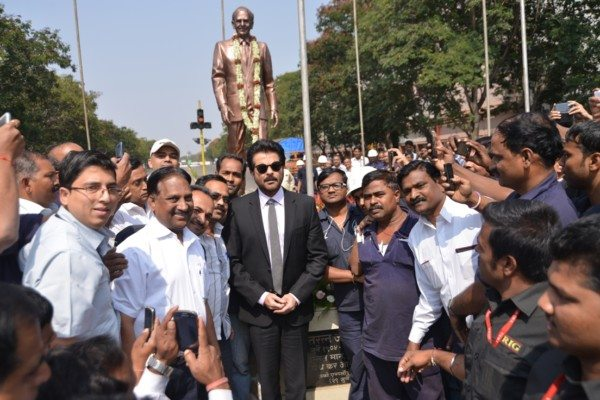 The superstar, Anil Kapoor and the action hero, Jai Singh Rathod (JSR) from 24, visited the Tata Motors facility to address company staff on the collaboration with 24. He zoomed through the plant in a true JSR style. Anil Kapoor greeted the company staff and workers and payed homage to JRD Tata at Tata Motors' plant in Pimpri, Pune.