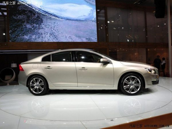 Volvo S60L showcased at 2013 Guangzhou Motor Show