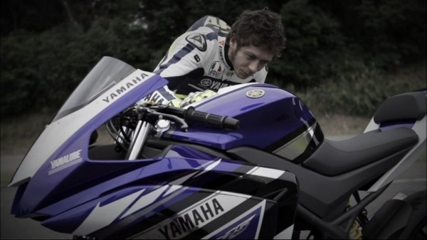Yamaha-R25-India-launch-video-rossi-pics-1