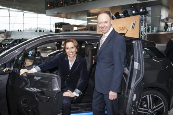 BMW Commences Deliveries of the i3 Electric Car