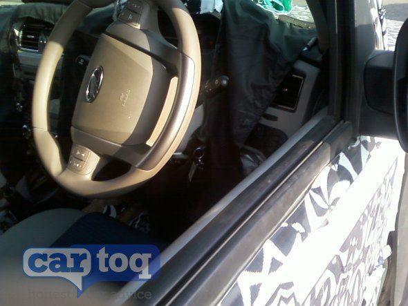 2014-Mahindra-Scorpio-facelift-interiors-pics-3