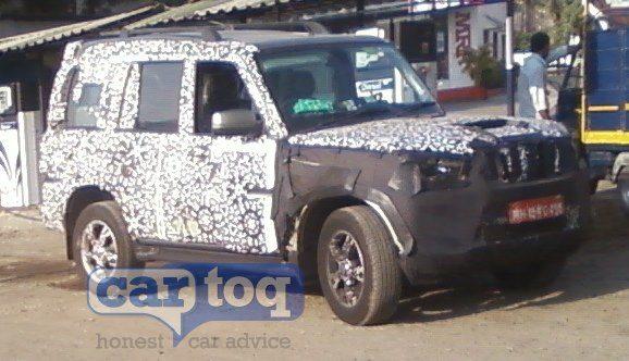 2014-Mahindra-Scorpio-facelift-interiors-pics-6