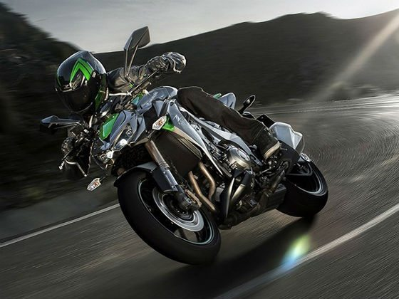 2014-kawasaki-z1000-india-launch-pics-60x420 (1)