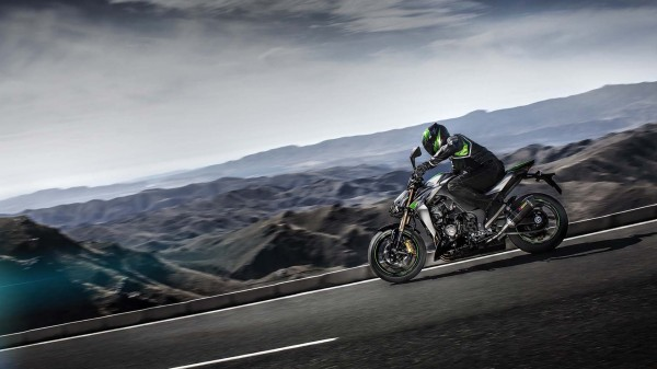 2014-kawasaki-z1000-india-launch-pics-60x420 (10)