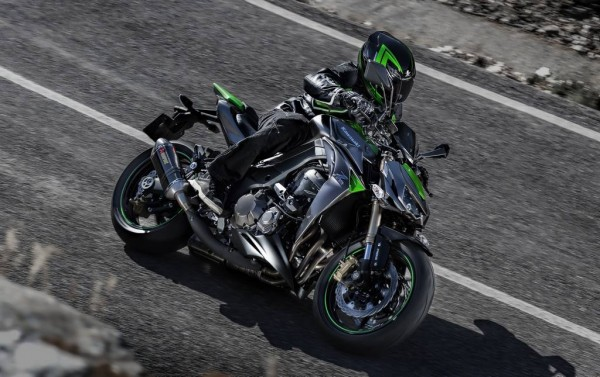 2014-kawasaki-z1000-india-launch-pics-60x420 (4)