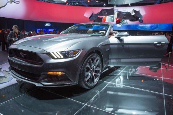 2015-ford-mustang-convertible