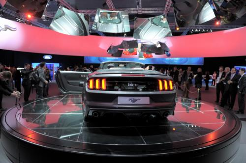 2015-ford-mustang-convertible3