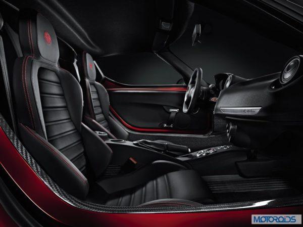 Alfa Romeo 4C review interior and exterior (1)