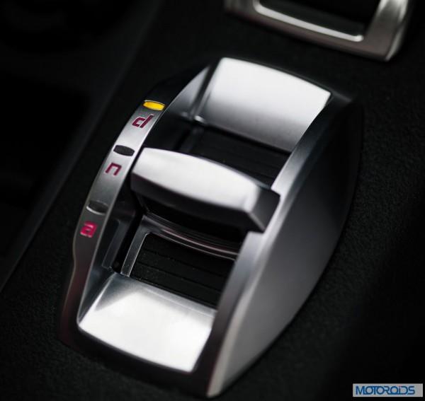 Alfa Romeo 4C review interior and exterior (10)