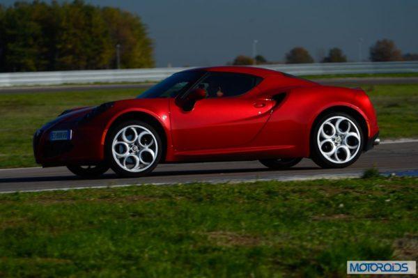 Alfa Romeo 4C review interior and exterior (22)