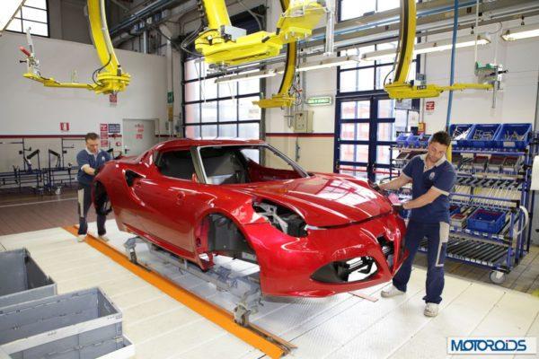 Alfa Romeo 4C review interior and exterior (5)