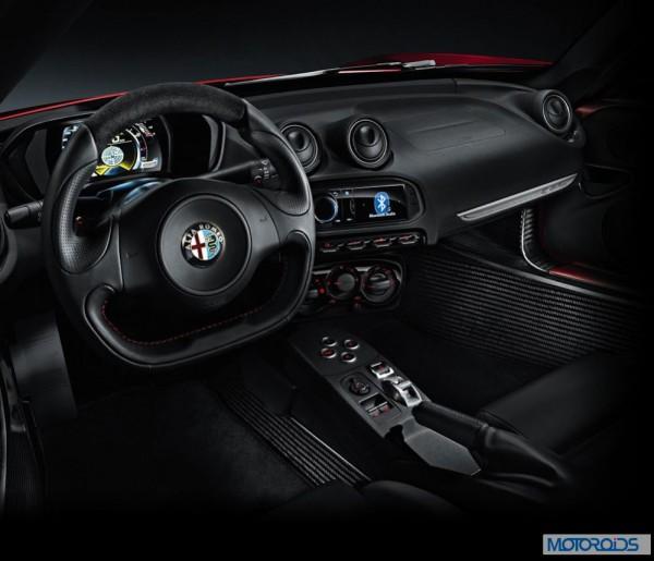 Alfa Romeo 4C review interior and exterior (8)