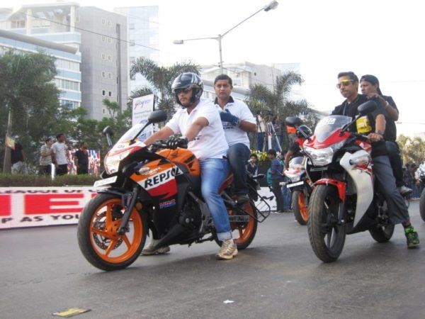 Honda CBR 250R Tour de India