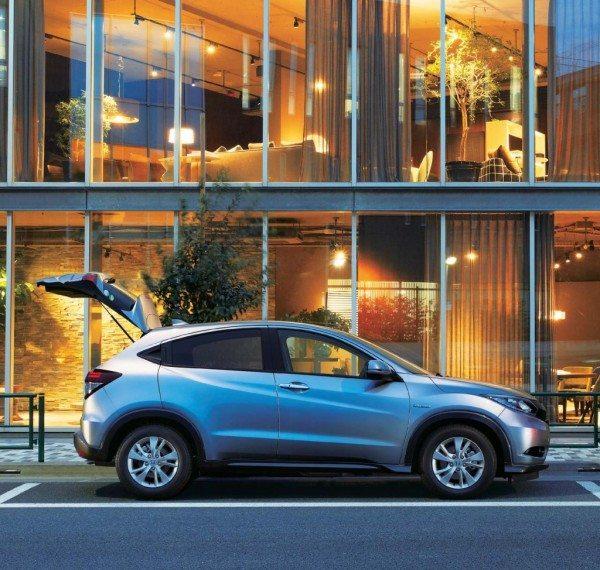 Honda-Vezel-Launched-side