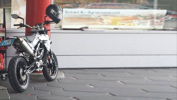 KTM-390-supermoto-pics-release-date