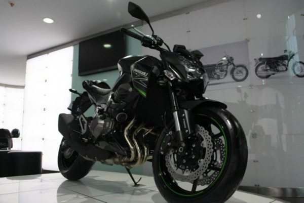 Kawasaki Z800 at Kawasaki India Pune dealership