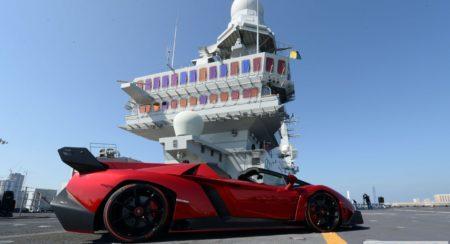 Lamborghini Veneno official World Premier Italian aircraft carrier (2)