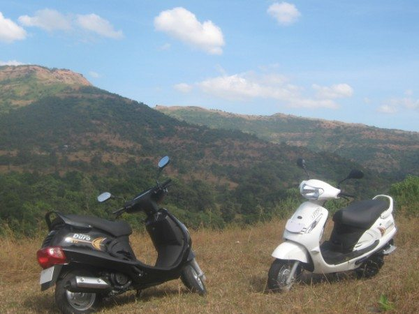 Mahindra-Automatic-Scooter