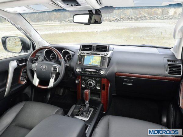 New 2014 Toyota land Cruiser Prado interior exterior India (4)