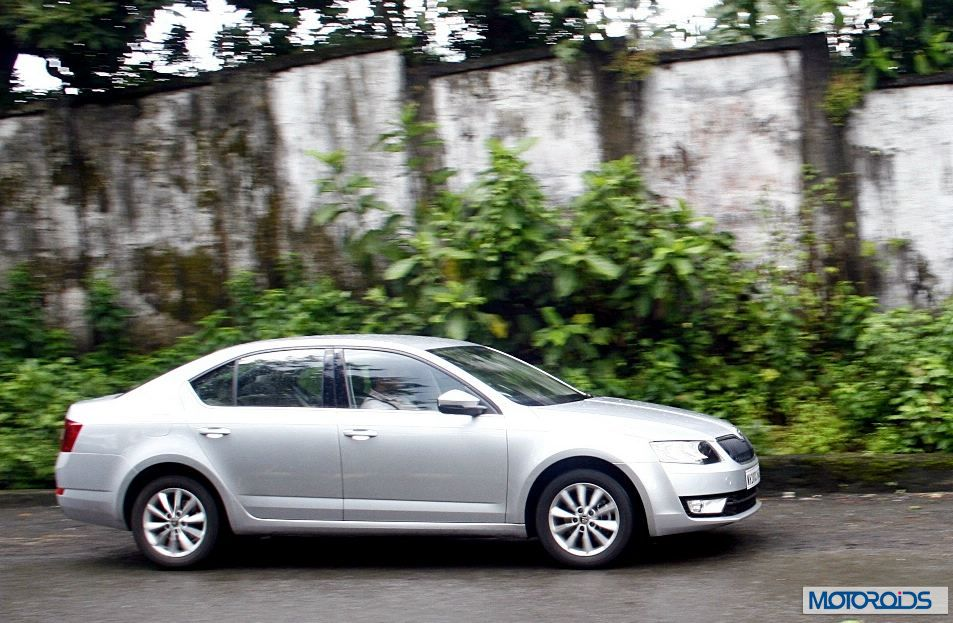 review skoda octavia 2 0 tdi and 1 4 tsi manual. Black Bedroom Furniture Sets. Home Design Ideas