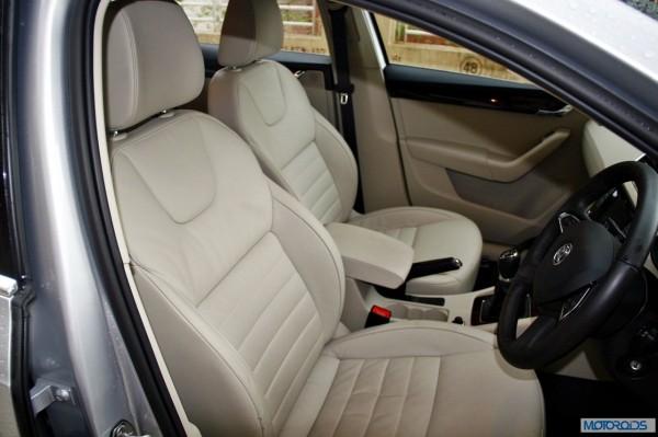 Skoda Octavia 2.0 TDi diesel manual interior (1)