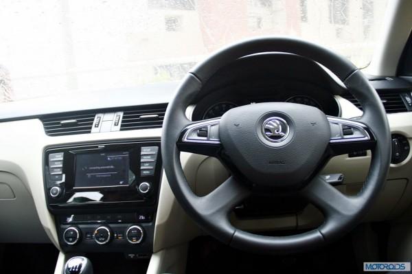 Skoda Octavia 2.0 TDi diesel manual interior (26)