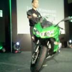 LIVE from Kawasaki Ninja 1000 India launch event. Priced @ INR 12.5 lakhs