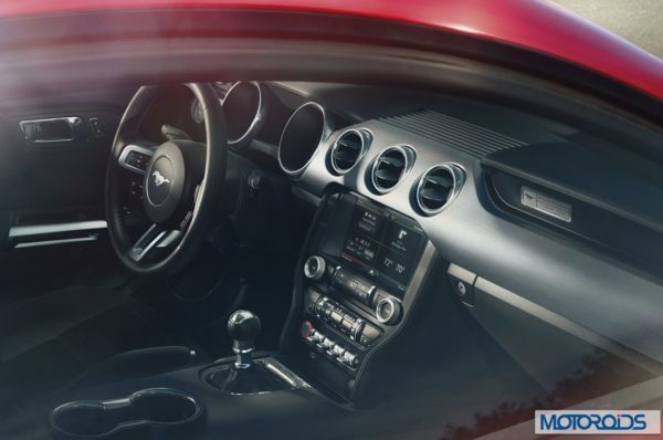 new 2015 Ford Mustang official interior images (2)