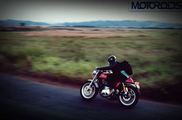 royal-enfield-continenta-gt-cafe-racer-review-14