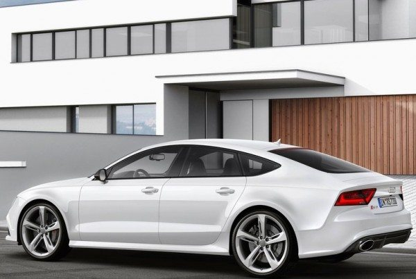 2014-Audi-RS7-India-launch-2