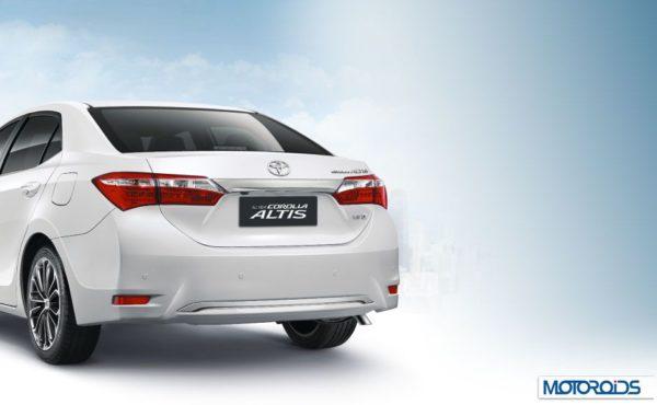 2014 Toyota Corolla Altis Images (5)