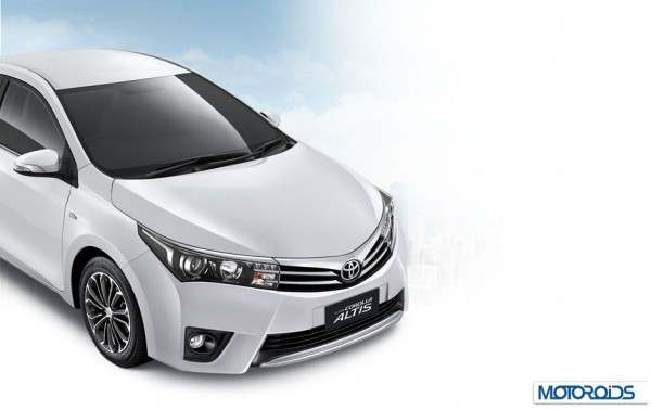 2014 Toyota Corolla Altis Images (6)