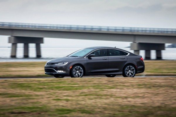 VIDEOS- In Depth Look at the 2015 Chrysler 200