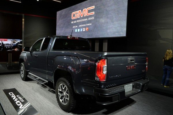2015-gmc-canyon-3